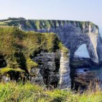 france-falaises-etretat-paysage-mer-normandie-campagne-plage-travel-for-you