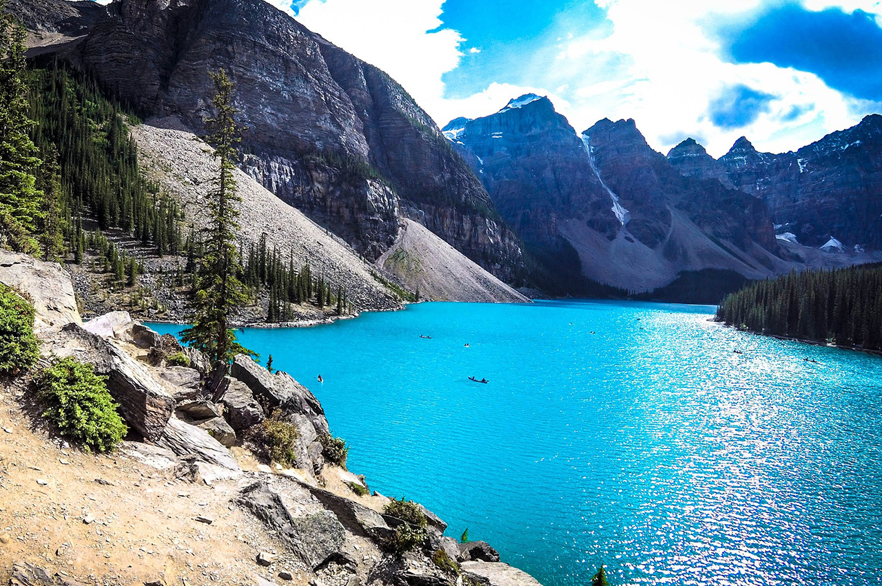 moraine-lake-bannf-canada-lac-bleu-montagne-circuit-sur-mesure-travel-for-you