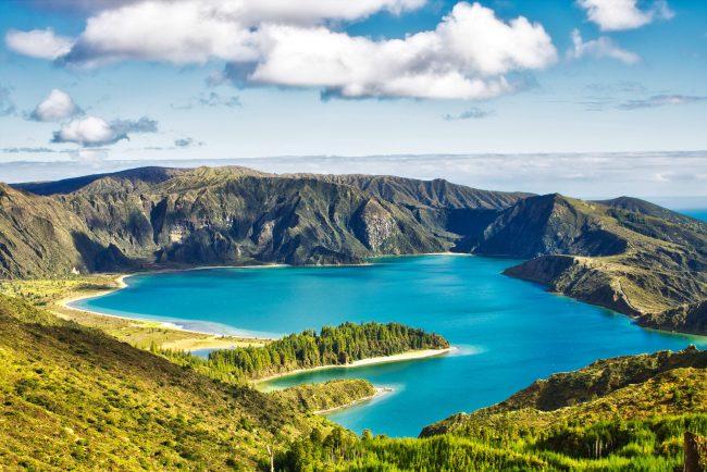 Açores ou Madère - Lac sur l'île de Sao Miguel aux Açores