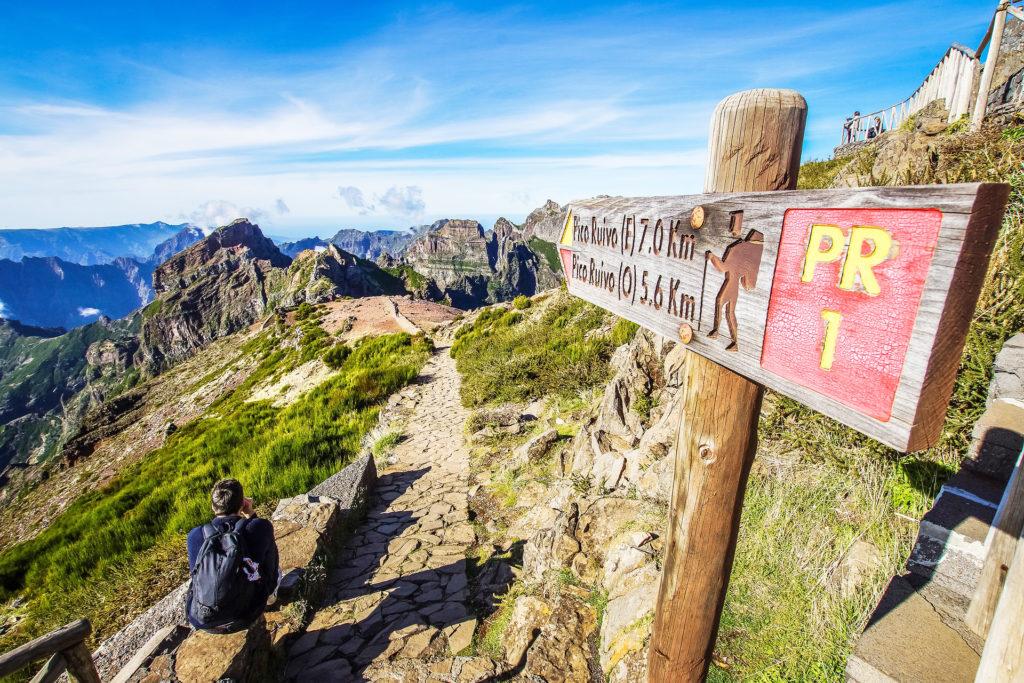 Les Açores ou Madère - Randonnée en montagne à Madère - destinations à visiter en Europe cet hiver