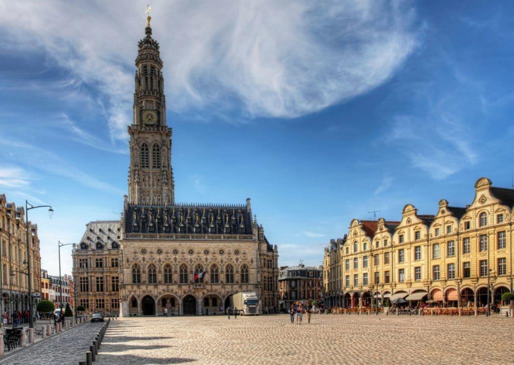 Où partir en week-end dans le Nord de la France - Beffroi Arras