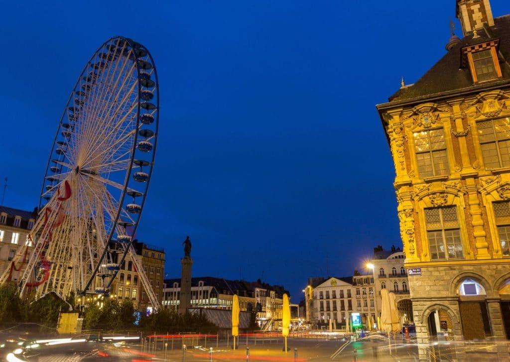 Où partir en week-end dans le Nord de la France - Grand roue sur la grand place de Lille