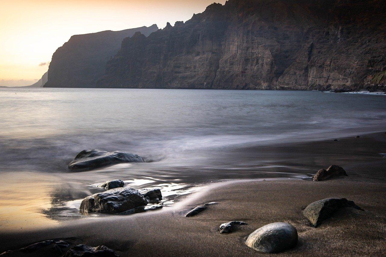 où partir au soleil en hiver plage los gigantes tenerife
