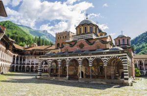 monastere de rila bulgarie en famille